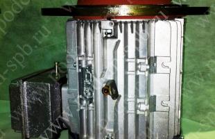 Двигатель марки СТ132МА